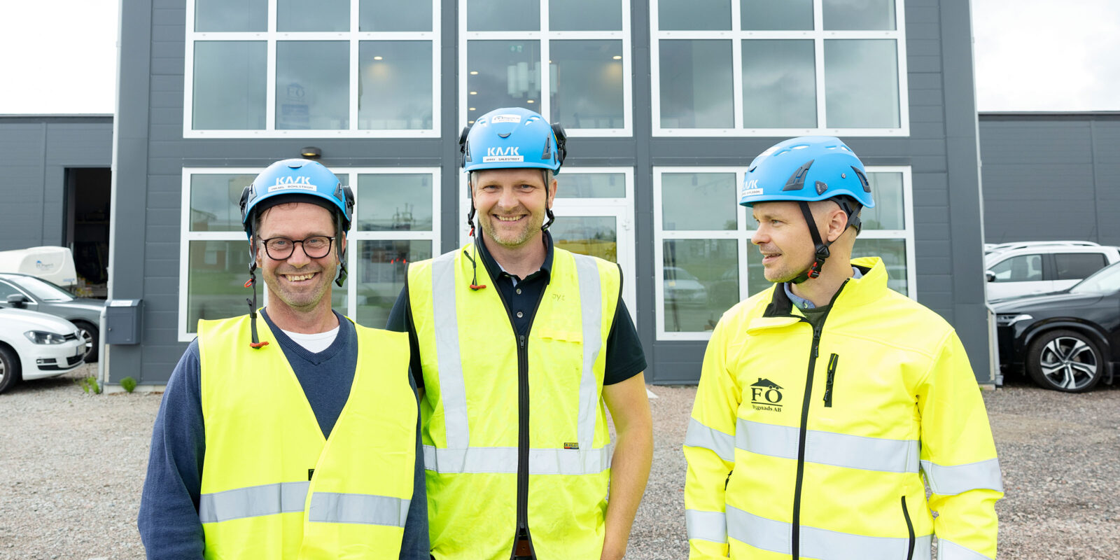 FÖ Bygg medarbetare fasad till kontor